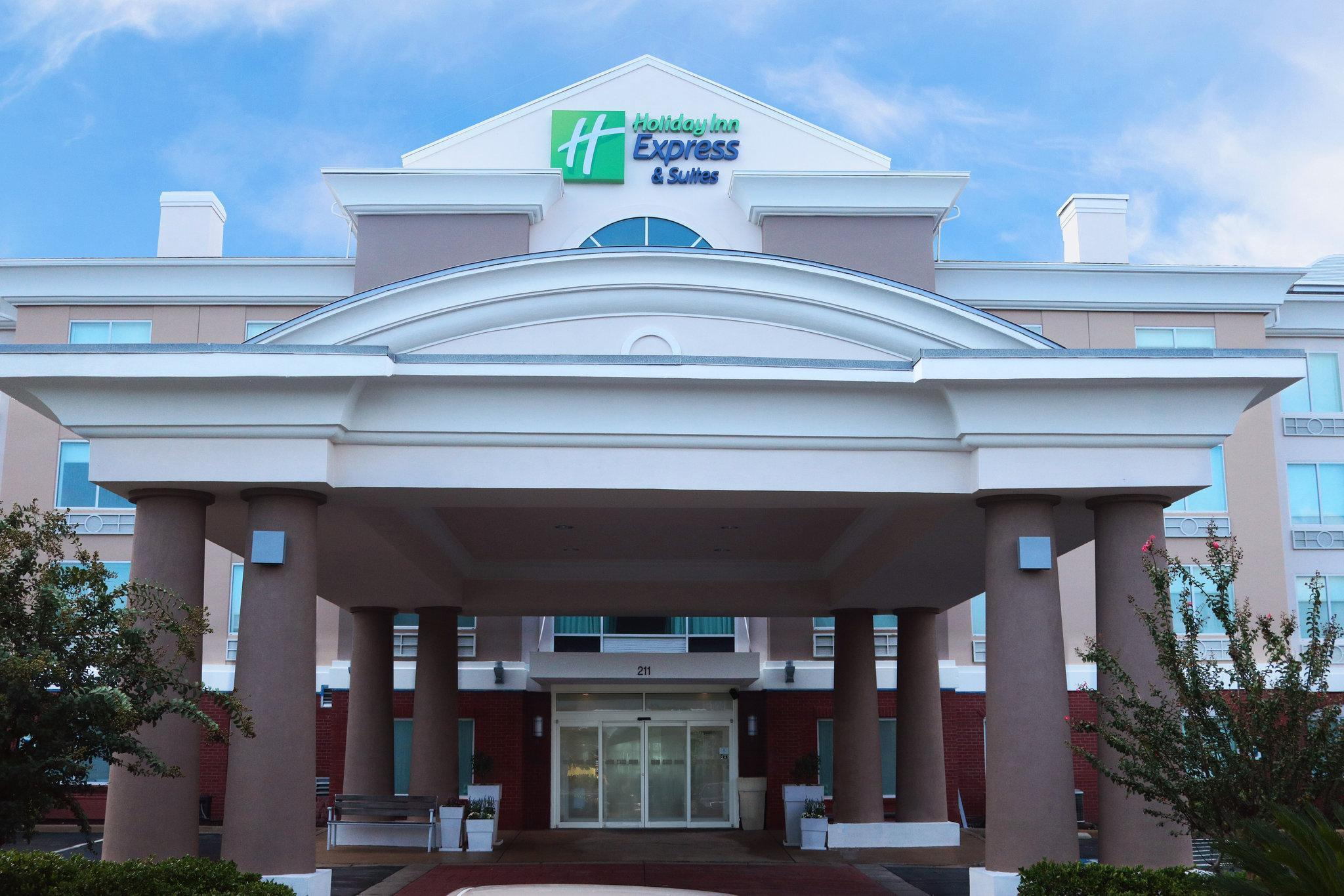 Holiday Inn Express Hotel & Suites Columbia I 26 @ Harbison Blvd