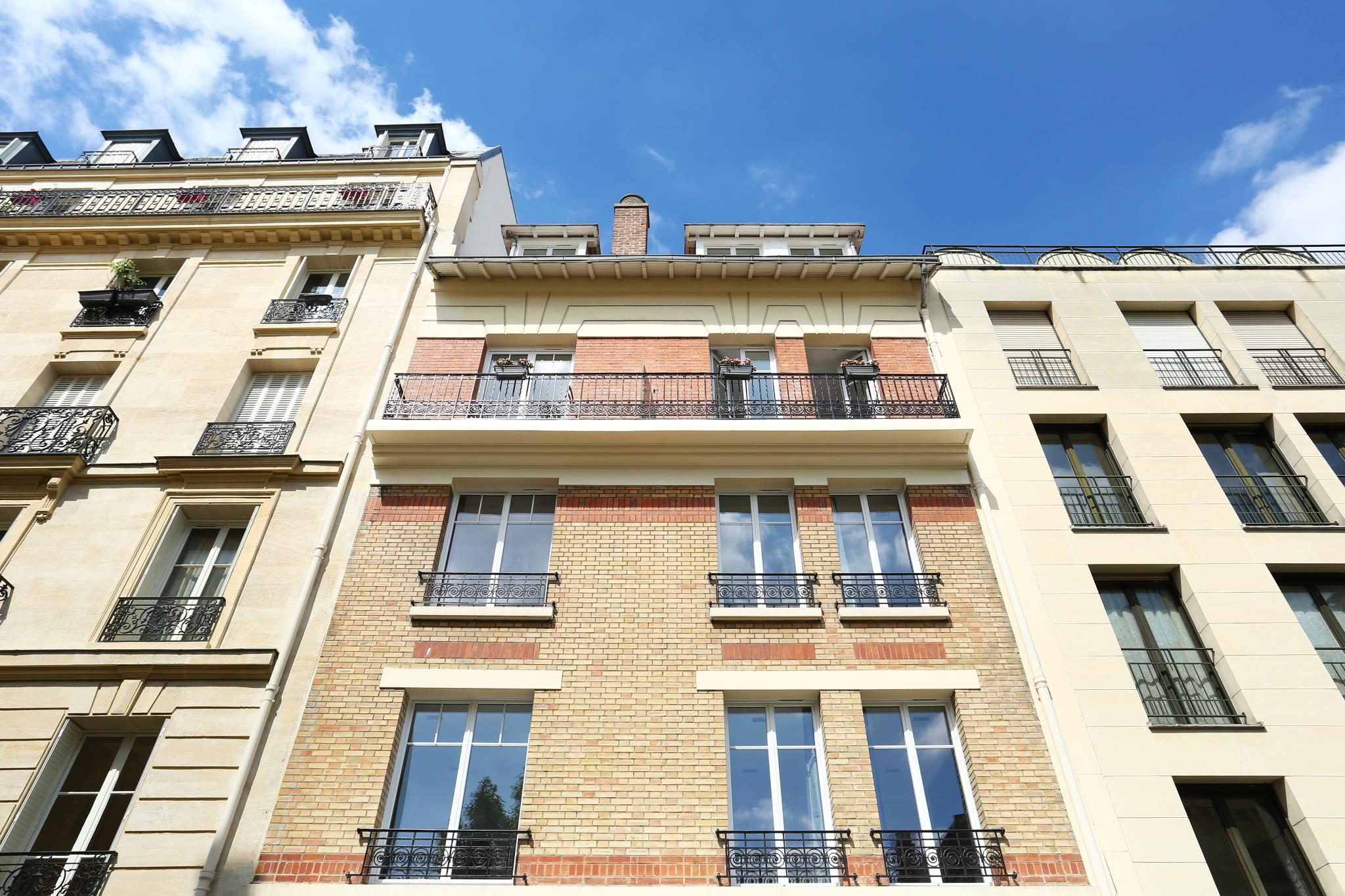 Short Stay Group Apartment Eiffel Village