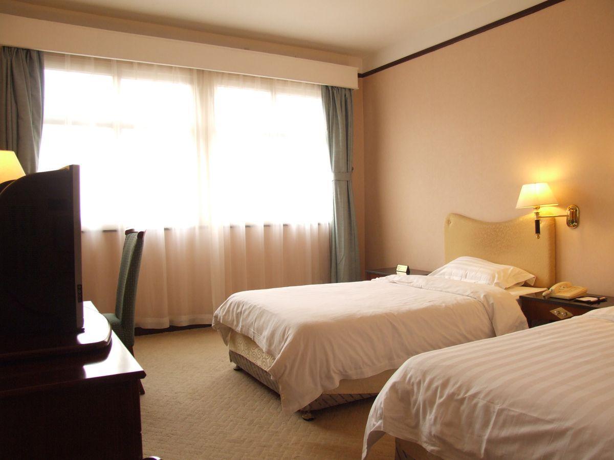 Price Qingdao Eastern Light International Hotel