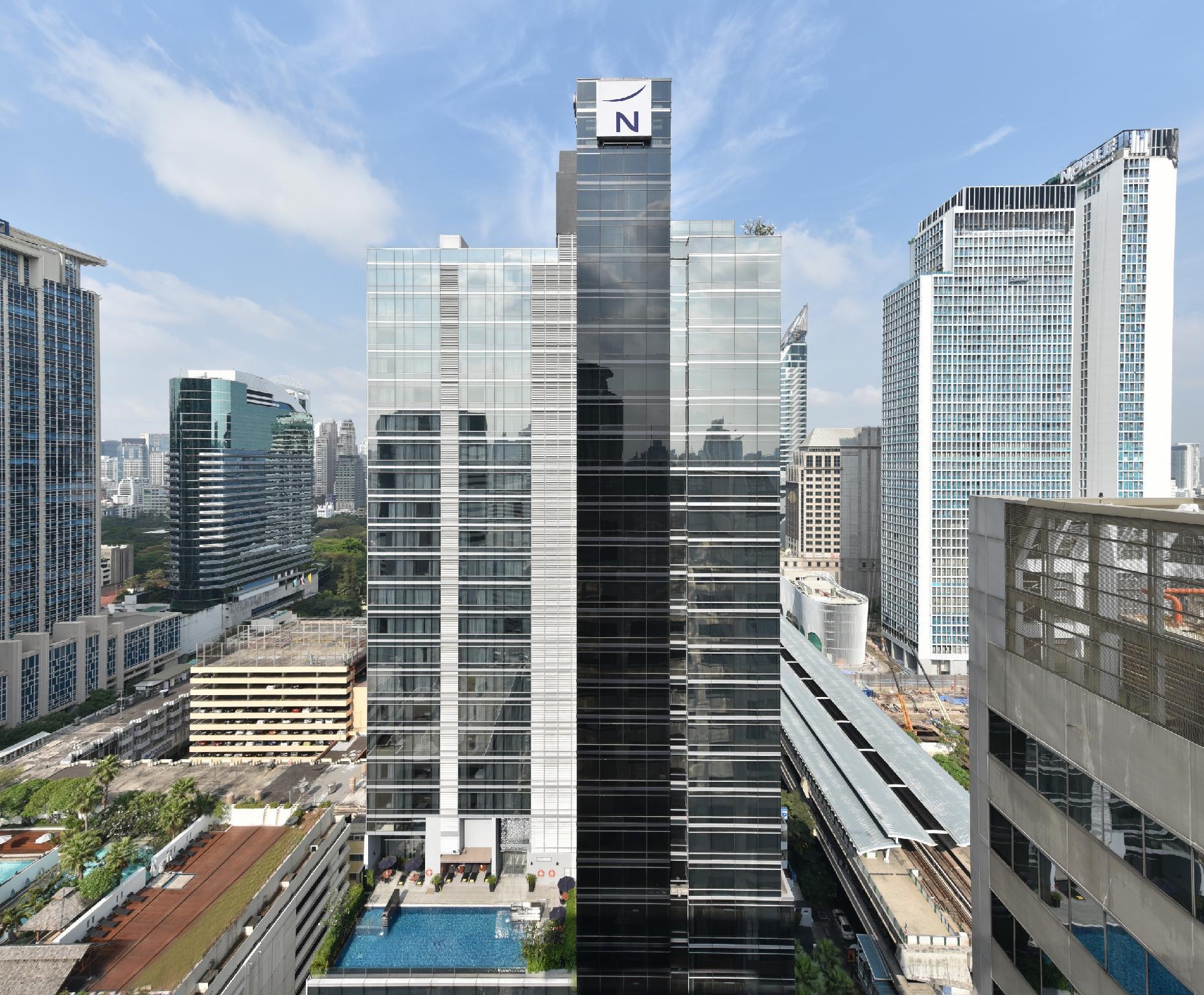 Novotel Bangkok Ploenchit Sukhumvit Hotel - Bangkok