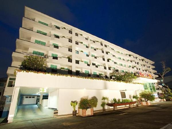 The Laurel Suite Apartment Bangkok