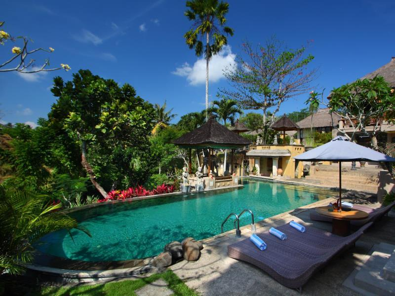 Alam Puri Art Museum   Resort And Spa