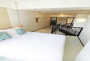 picture 2 of The Cirque Serviced Residences