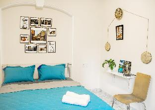 SG Tels # Sunny Room