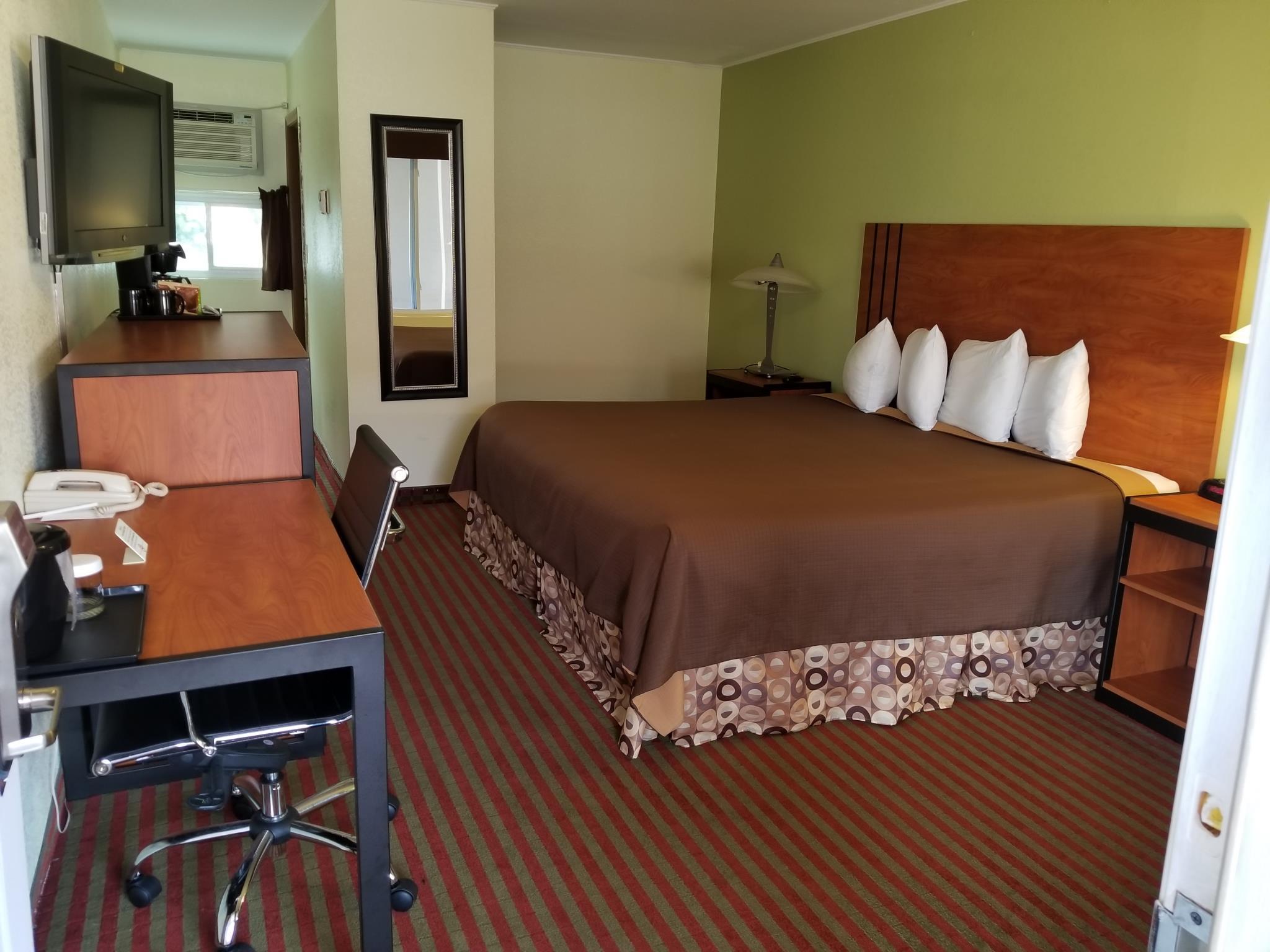 All Seasons Inn & Suites   Bourne