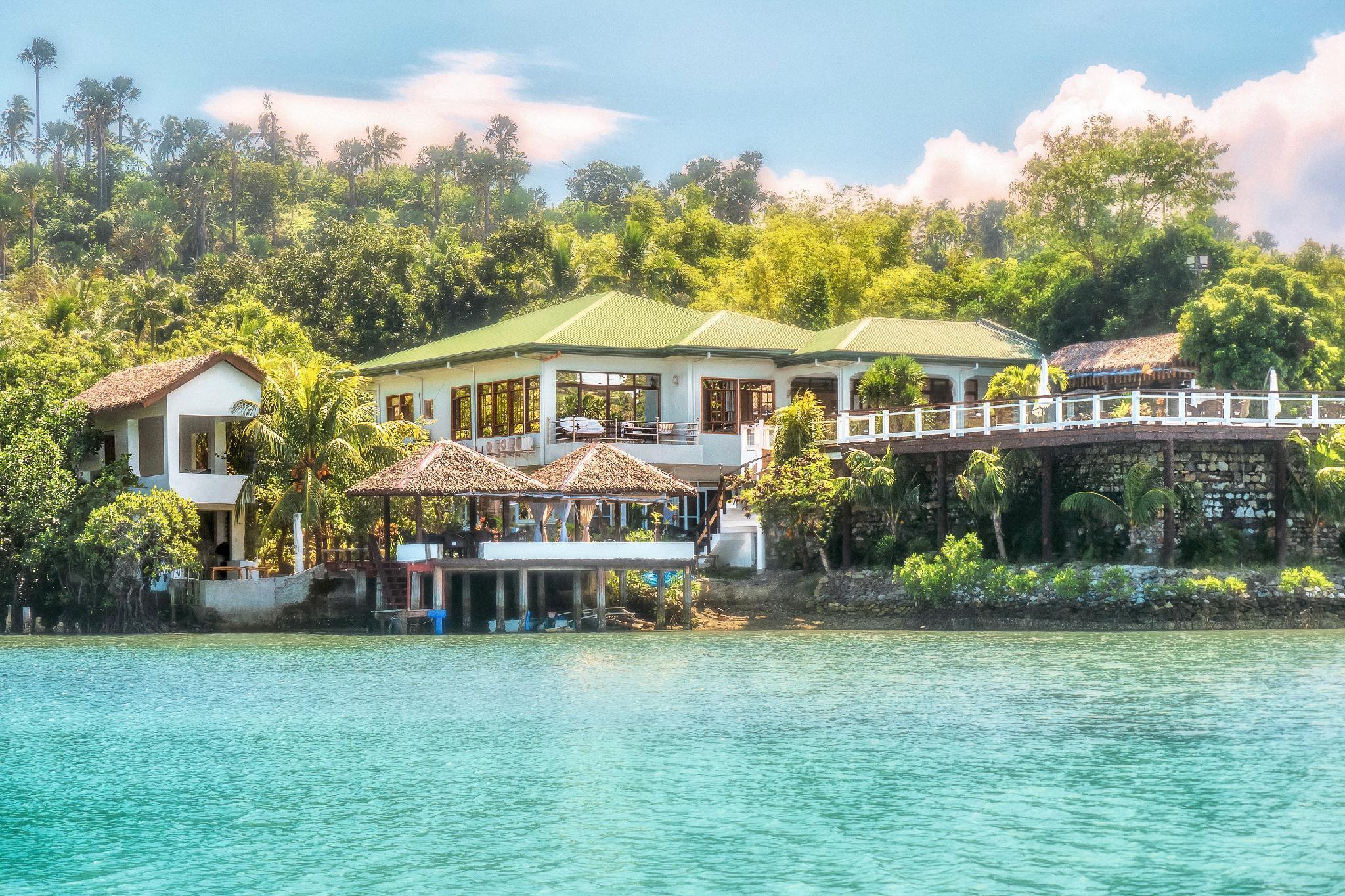 Edgewater Dive And Spa Resort