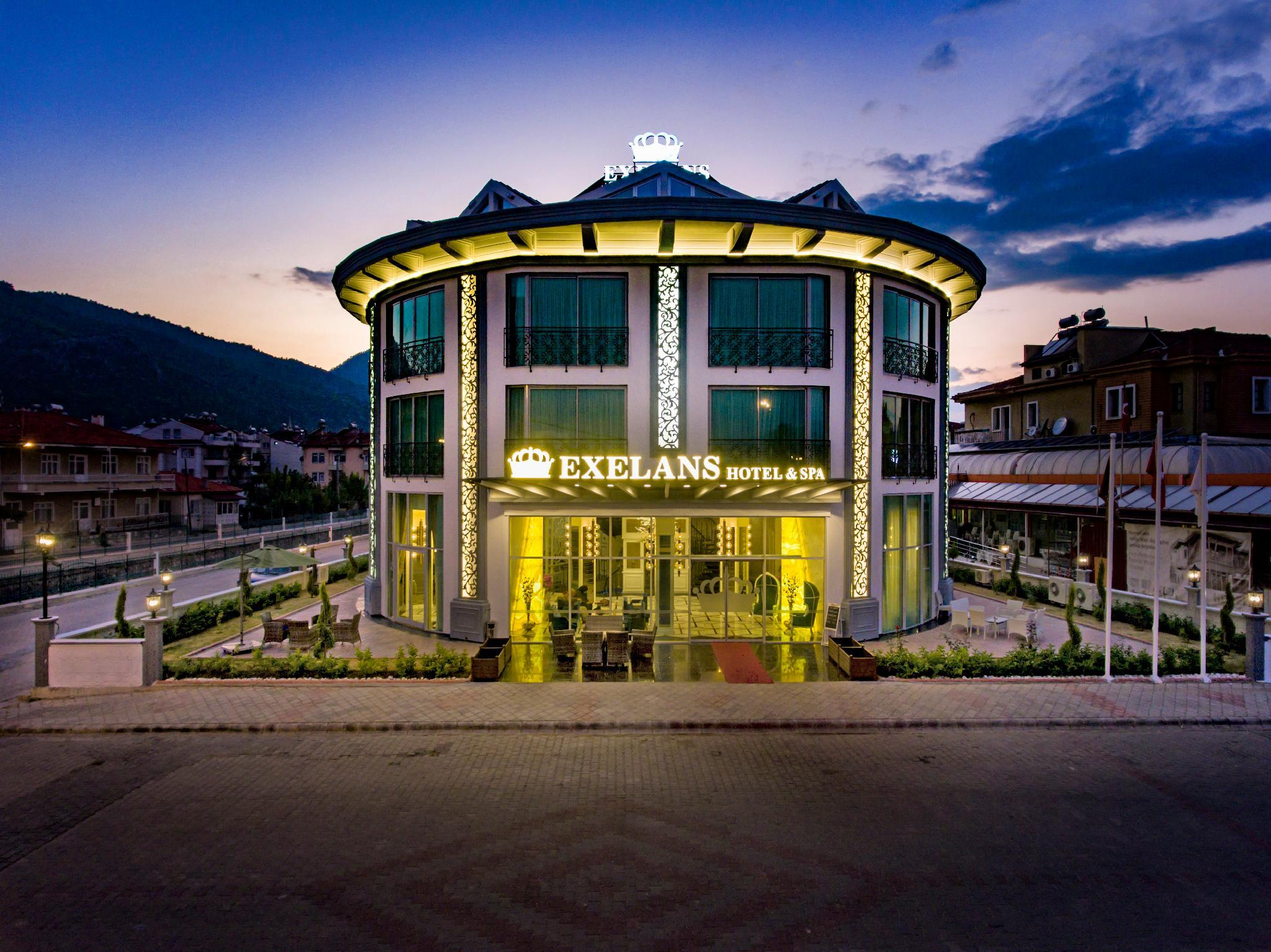 Exelans Hotel And Spa