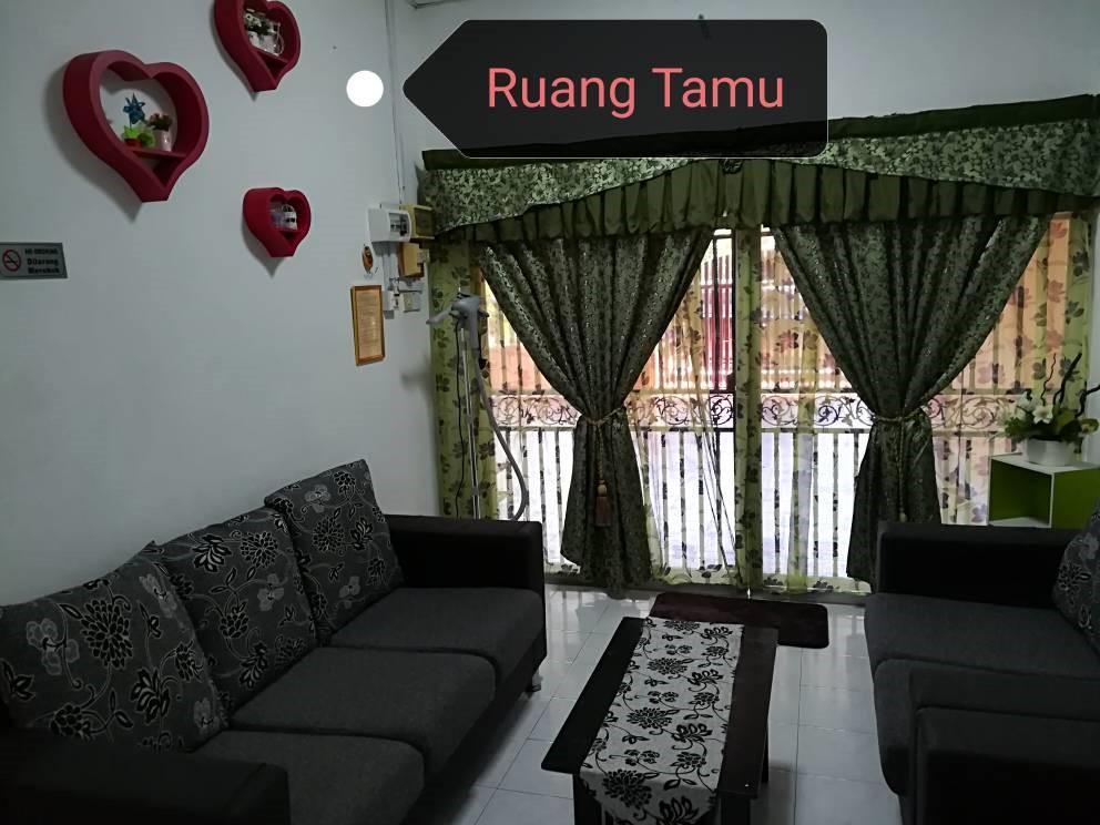 Nani Homestay Seri Manjung