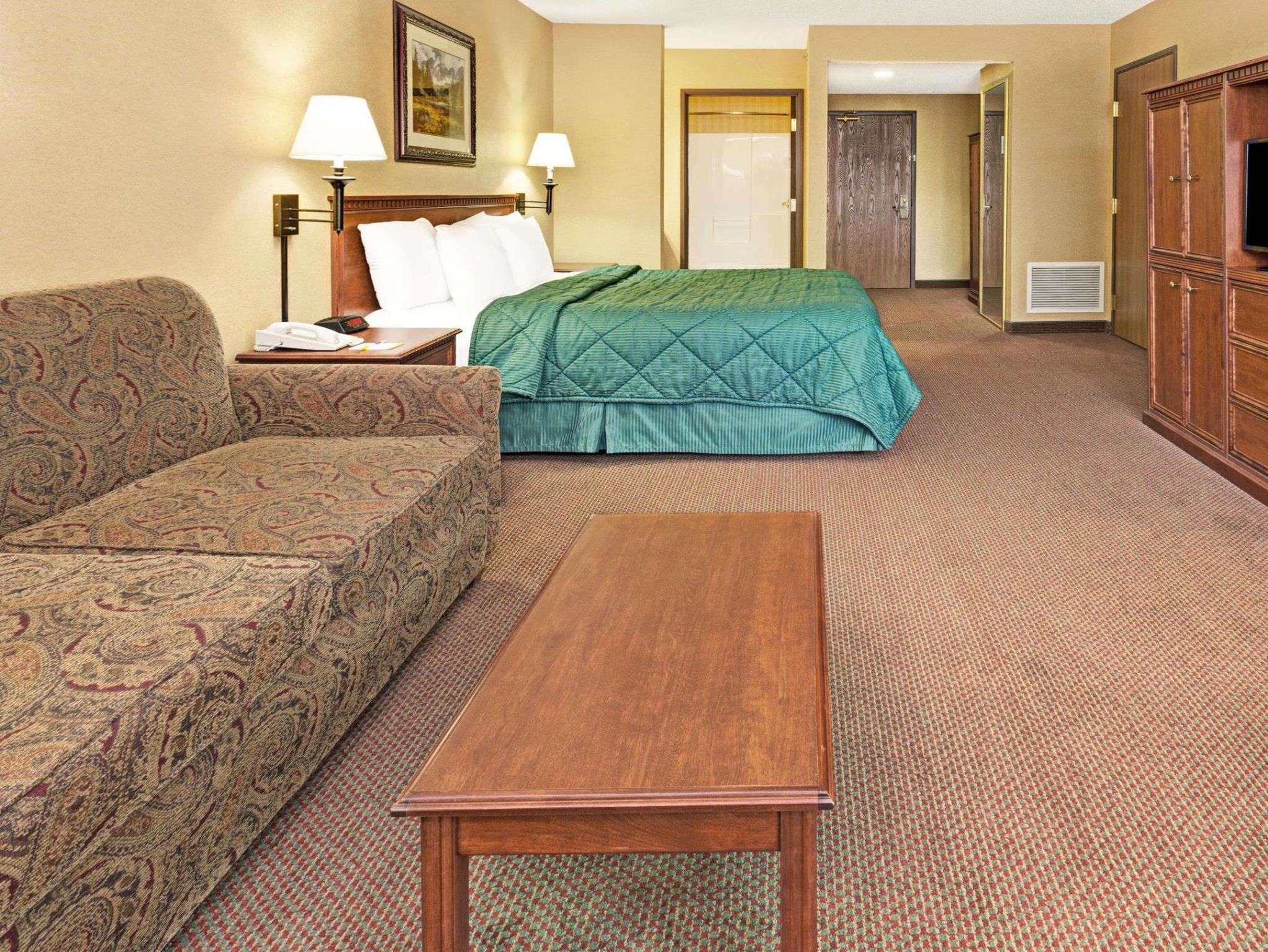 Days Inn By Wyndham Wellington Fort Collins Area
