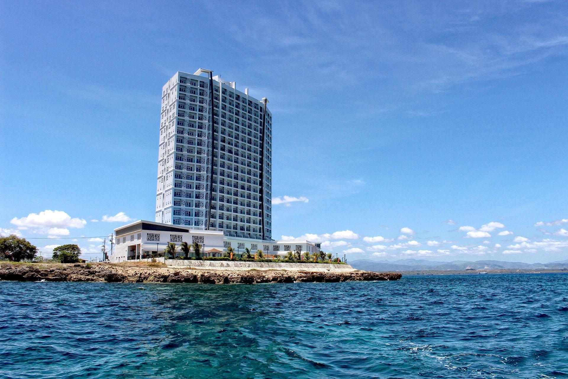 Arterra Hotel And Resort