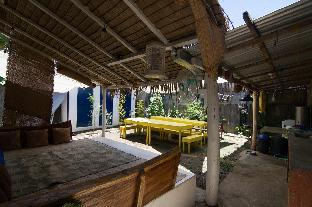 picture 5 of Go Surfari House