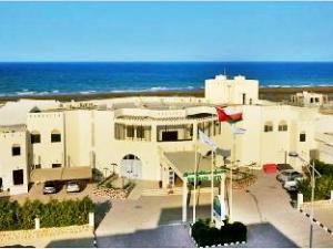 關於蘇爾海灘假日度假村 (Resort Sur Beach Holiday)