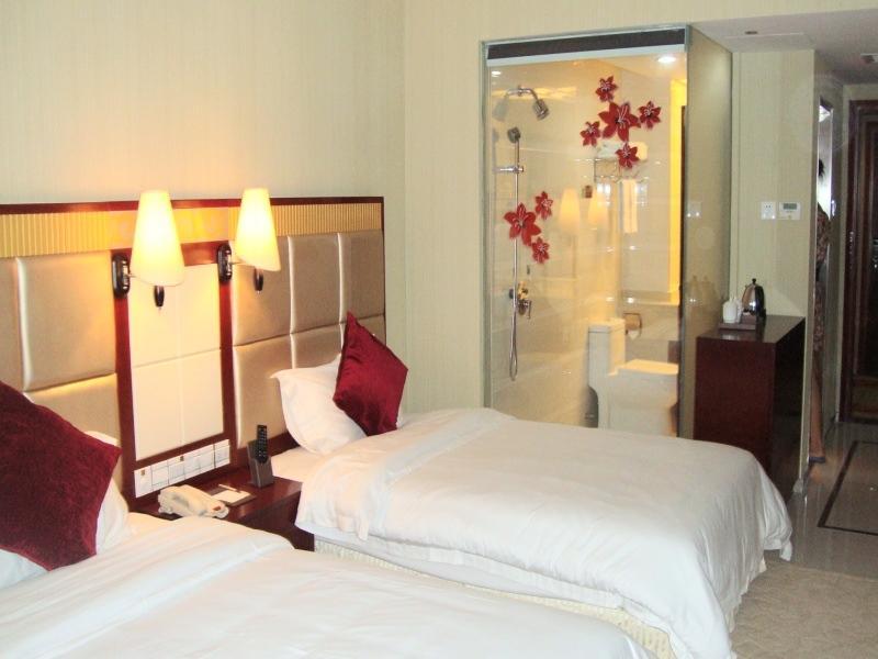 Review Vienna Hotel Pinghu Plaza Branch