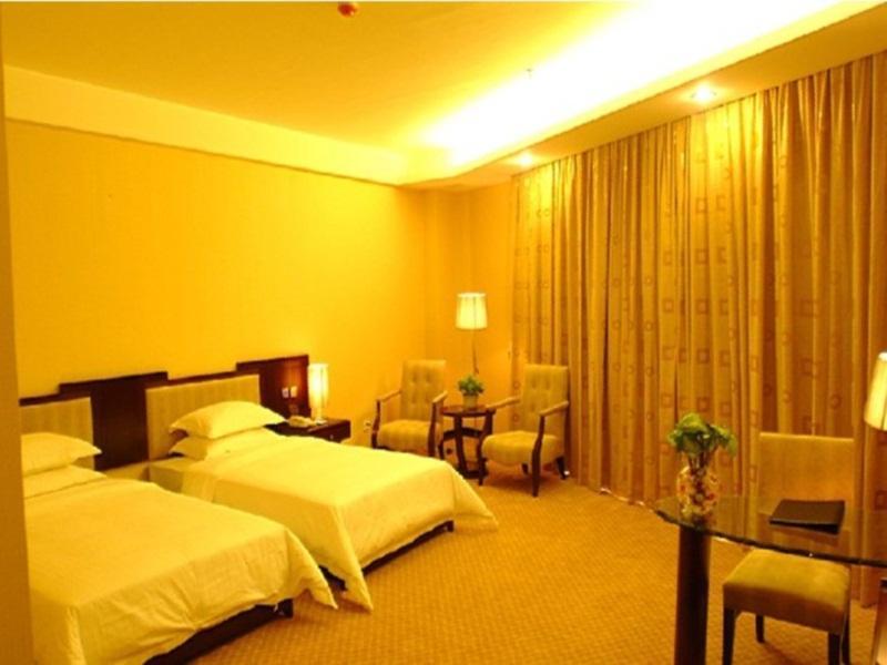 YiFeng Business Hotel 4