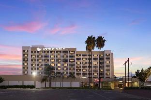 洛杉磯諾沃克希爾頓逸林酒店