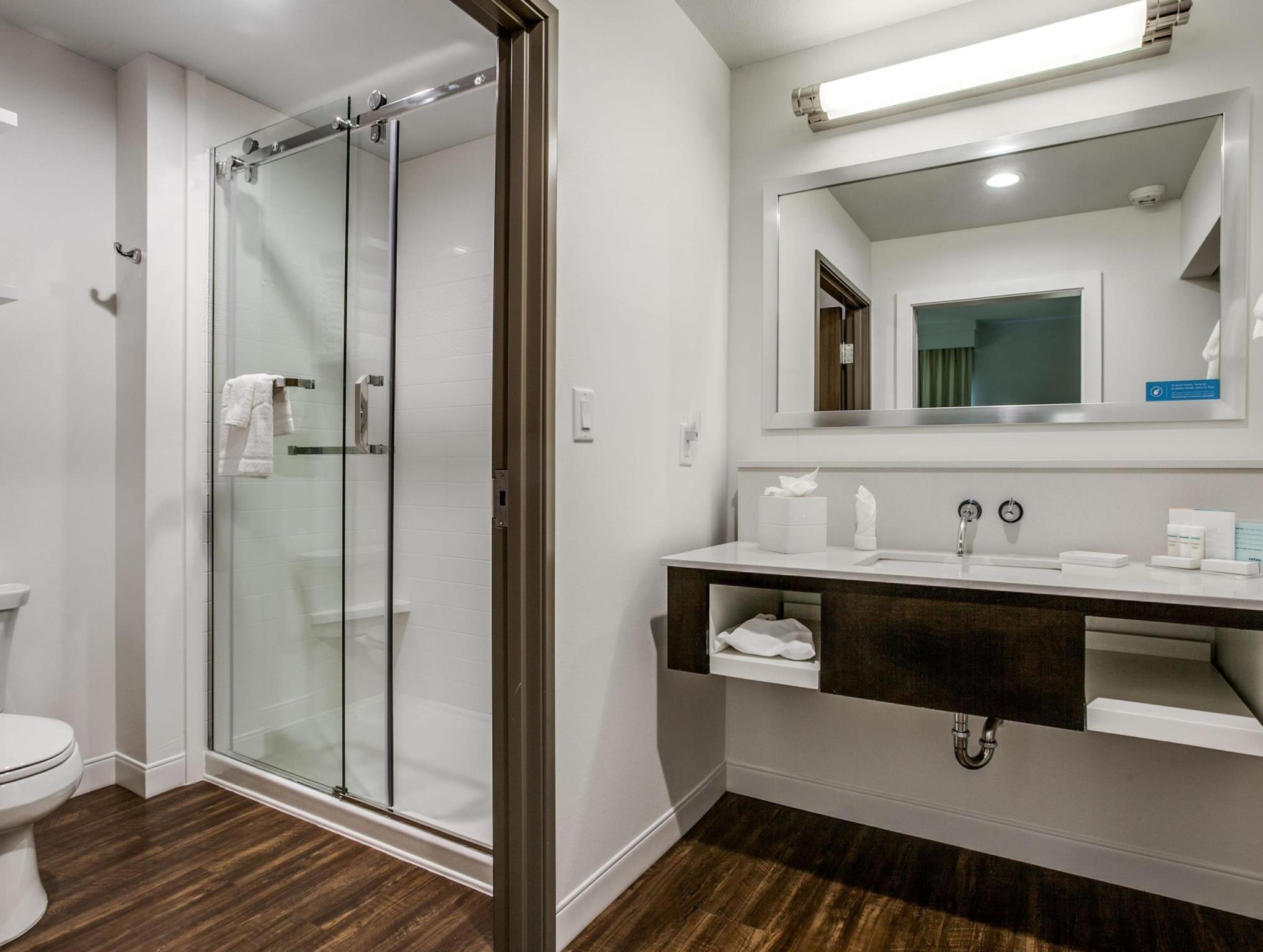 Hampton Inn & Suites Dallas Central Expy North Park Area