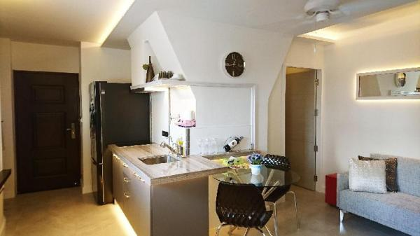 4 person Corner Suite in best area Chiang Mai