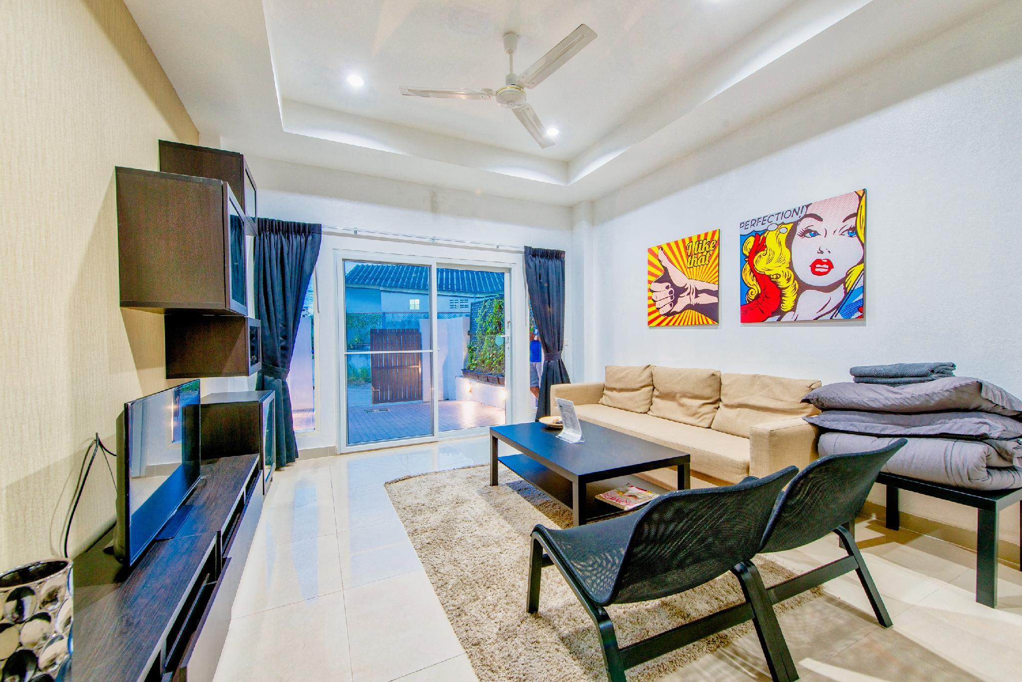 Review Luxus Jacuzzi Villa - near beach
