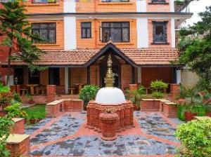 ホテル ガネーシュ ヒマール (Hotel Ganesh Himal)