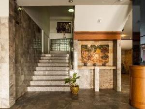Sagatenakorn Hotel