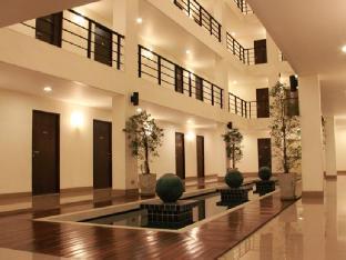 โรงแรมดิเอเทรียม รัชดา13