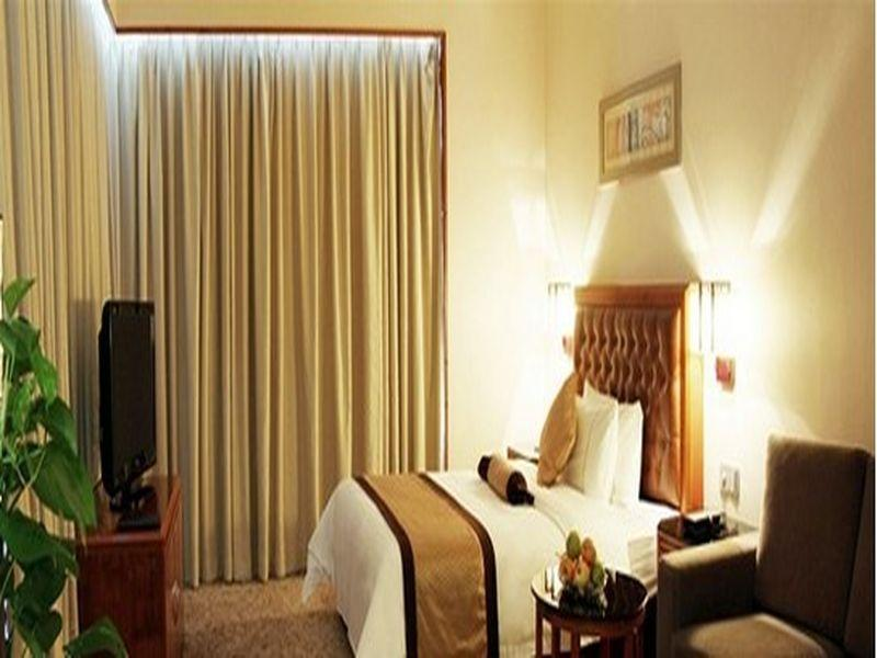 Reviews Yihao International Hotel