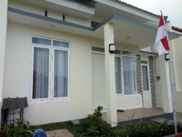 Villa Puncak Garuda C8 Malang