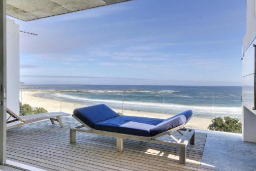 15 Views Penthouse in Camps Bay