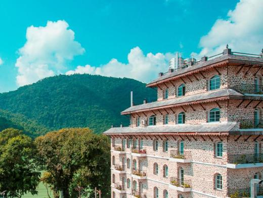 Glacier Hotel & Spa