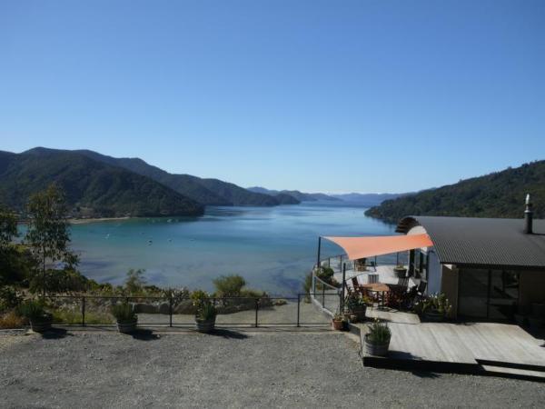 Okiwa Bay Lodge Picton