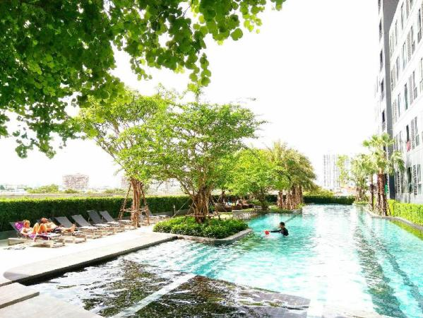 Sukhumvit New Room BTS Bangna Pool view Bangkok