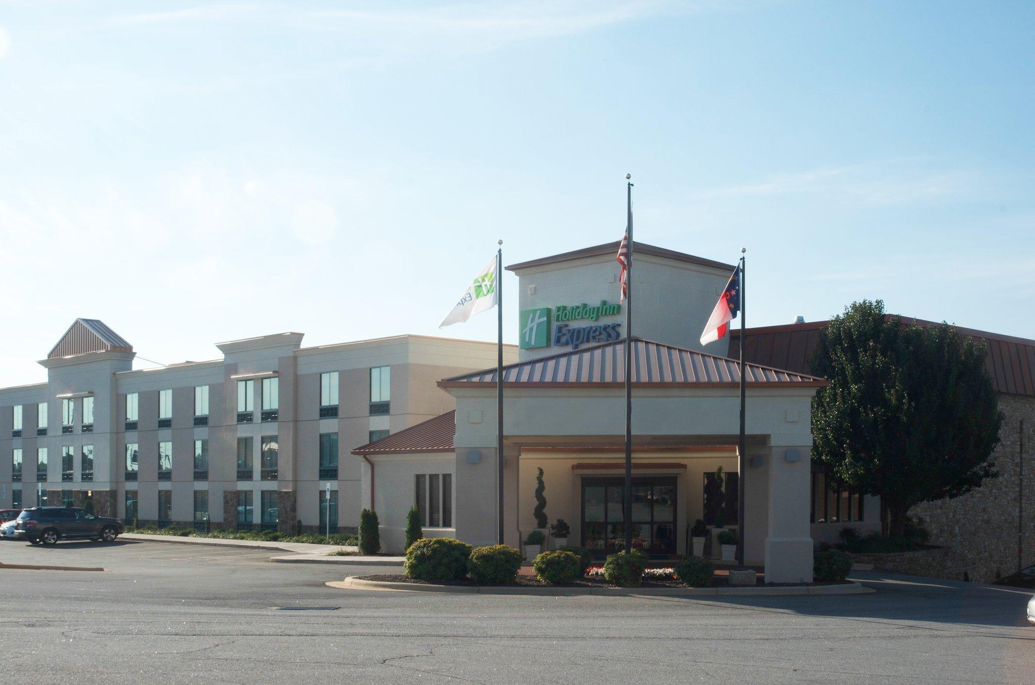 Holiday Inn Express Hickory Hickory Mart