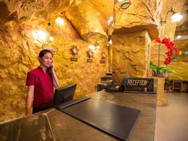 โรงแรมไทเกอร์ คอมเพล็กซ์ – Tiger Complex Hotel