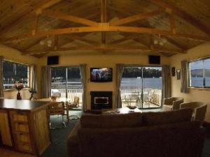 Burilda Waters Holiday House