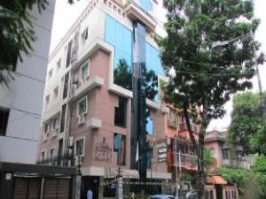 ホテル サディッシュ タワー (Hotel Sudesh Tower)