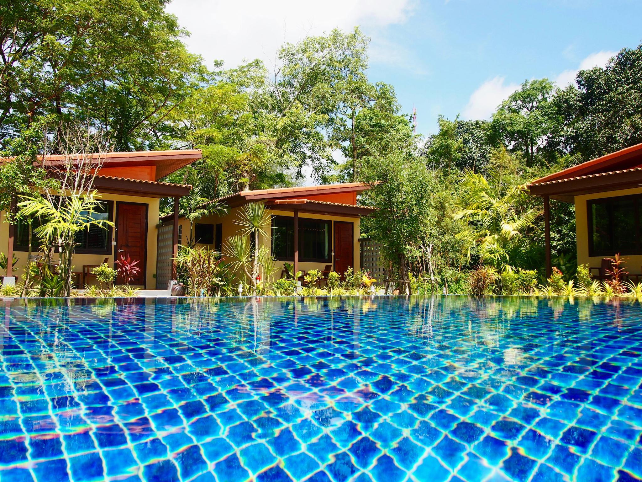 Review AT Bangsak Resort