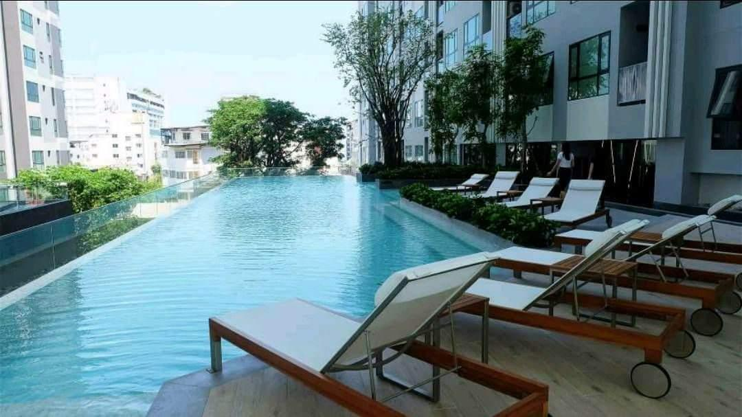 Price The Base pattaya Pool view