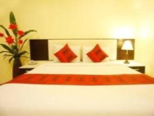 關於蘭丁飯店 (Laem Din Hotel)