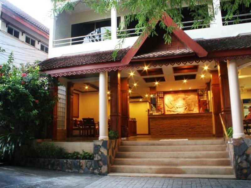 Baan Pron Phateep บ้าน พร ประทีป