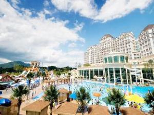 關於胡拉策度假村 (Huracle Resort)