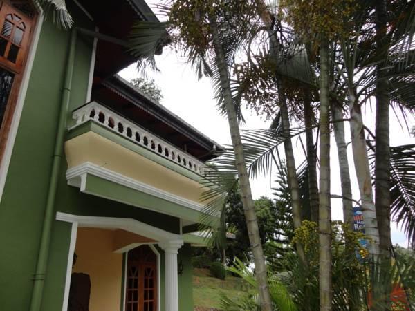 Nilmini Holiday Resort