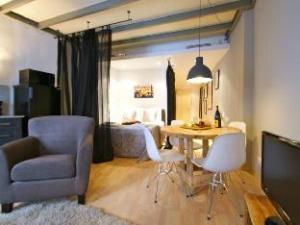 SSG Ramblas Studios Apartments