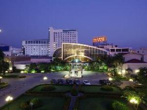 Thông tin về Holiday Palace Casino & Resort (Holiday Palace Casino & Resort)