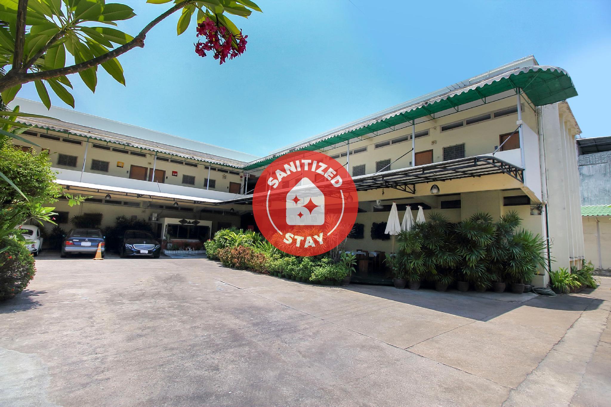 OYO 905 Rajata Hotel