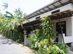 關於班達亞飯店 (Baan Taa-Yaay)
