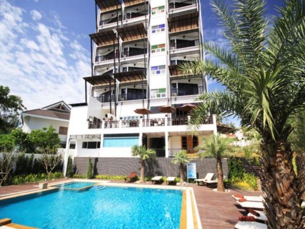 Dee Andaman Hotel Pool Bar Krabi
