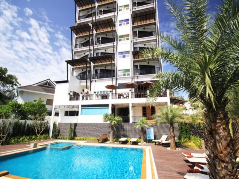 Dee Andaman Hotel Pool Bar โรงแรม ดีอันดามัน พูล บาร์