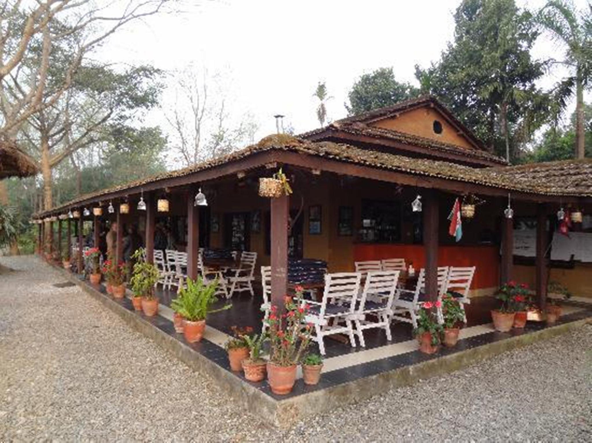 Safari Narayani Hotel