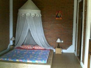 Sinar Matahari Hotel