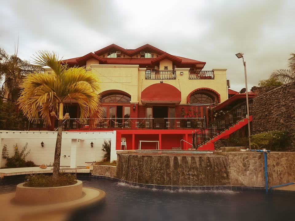 Tahanan Ni Aling Meding Hotel